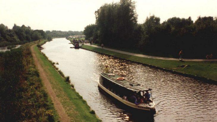 産業革命期さいしょの運河、リバプールへ石炭をはこぶため開通